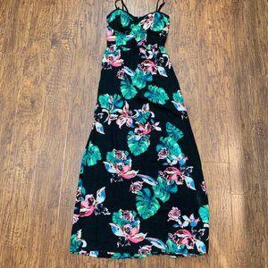 Tropical print maxi dress new with tags Medium